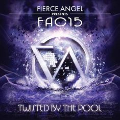 Fac 15 – Twisted by the pool
